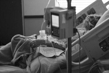 死産の胎児をトイレに流し、さいたま赤十字病院が謝罪。安全マニュアルや病院の落ち度は?